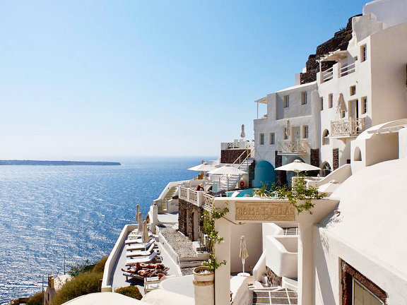 Reviewing the oiamarevillasofficial from our stay in Santorini last September!hellip